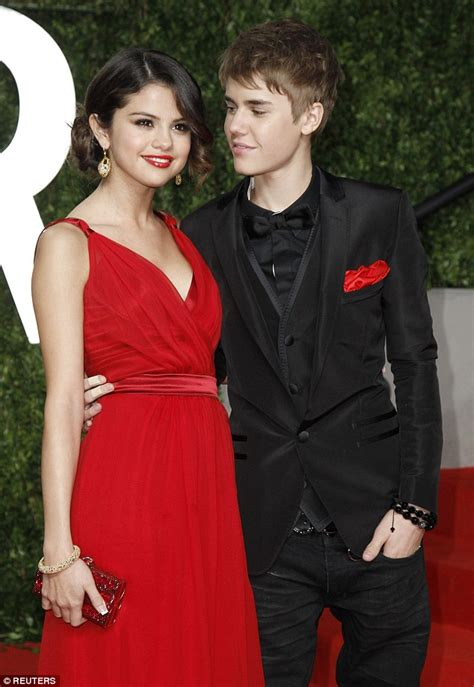 how long have selena gomez and justin bieber been dating jpg 634x920